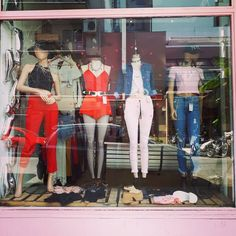 """1,023 Me gusta, 1 comentarios - #normalisboring (@reinatta_store) en Instagram: """"Chau invierno!!!🖐👋👅 Como todos los #SABADOS. .. #HACETEFELIZ... TRAETE A 👉👉#REINATTA el local con…"""""""