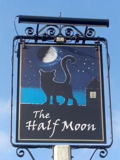 Whipton Half Moon Pub Sign Exeter   Flickr: Intercambio de fotos