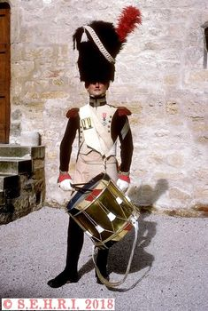 Tambour Chasseurs à pieds de la Garde Impériale Military Coats, Honor Guard, French Army, Napoleonic Wars, Tambour, Swords, Leather Backpack, Fashion Backpack, Weapons