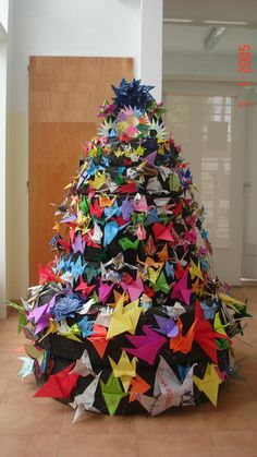 Christmas tree recycled (Tyres & paper cranes) - Kindergarden (Jardín Municipal N° 7) Boulogne - San Isidro - Argentina