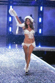 "#Alessandra Ambrosio -- Victoria's Secret Fashion Show 2006 -- ""Winter Wonderland of Glacial Godesses"" Collection | #VSFS #VSFS_2006"