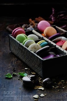 NgLp Designs shares Things We Love: Macarons . beautifully layered composition of colourful macarons, food styling and photography Macaron Cookies, Dark Food Photography, Food Design, Food Pictures, Food Pics, Food Styling, Food Art, Food Inspiration, Sweet Recipes