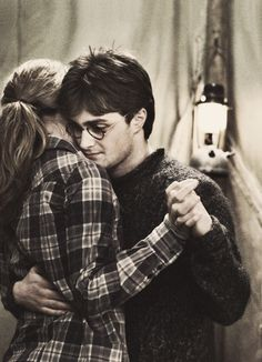 There is no love triangle! They are just friends! Ron and Hermione=ship!