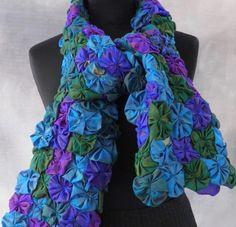 Echarpe femme aux milles fleurs camaïeu de bleu en coton et viscose : Echarpe, foulard, cravate par akkacreation