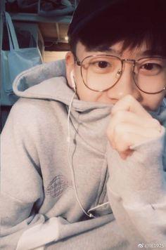 Korean Boys Ulzzang, Ulzzang Boy, Hot Teens, New Face, Cute Faces, Asian Boys, Hot Boys, Handsome Boys, Tomboy