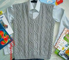 Vest a vorbit cu băiatul Vest Pattern, Free Pattern, Pattern Design, Anime Dress, Baby Vest, Baby Sweaters, Toddler Outfits, Knitting Patterns, Cool Outfits