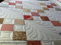 quiltmekiwi: Custom quilting an Irish Chain and an all over design.........