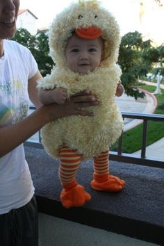 Such a cute chick!  This reminds me of the duck costume my mom made my daughter when she was 2!