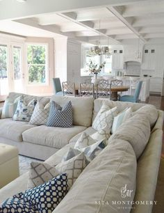 3 Simple Ways To Style Cushions On A Sectional Or Sofa Condo Livingkitchen Livingroom