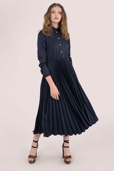 Midi Shirt Dress, Pleated Midi Skirt, Long Sleeve Shirt Dress, London Free, Collar Shirts, Navy, Skirts, Model, How To Wear
