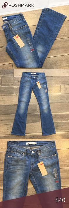 """NWT Levi's Slim Bootcut Jeans Brand new with tags, this is a pair of jeans you'll keep around forever! Super versatile wash and timeless silhouette.  524 Bootcut model. Ultra low rise, slim Bootcut. Inseam of 32"""". Size 5/27"""" Levi's Jeans Boot Cut"""