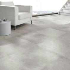 This beautiful full body porcelain tile requires no sealing, no maintenance! Exterior Gris, Interior Exterior, Grey Flooring, Kitchen Flooring, Floor Design, Tile Design, Living Comedor, Concrete Tiles, Floor Colors