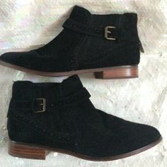 Dolce Vita suede leather  boot Dolce vita black suede boots. Zips up the back. Very good condition, like new, worn once. Size:8.5. 🤔 *open to reasonable offers, discounted bundles* Dolce Vita Shoes Ankle Boots & Booties