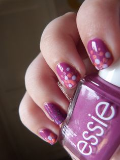 Nail art sur le essie the girls are out