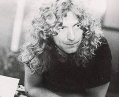 Robert Plant just being gorgeous...