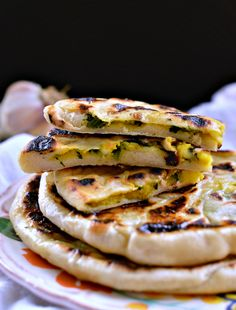 Aloo paratha is a typical indian flatbread usually stuffed with mashed potato. This recipe is an healthier aloo paratha recipe, dairy free.