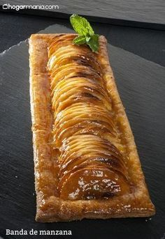 Apples and pears Pear Dessert Recipes, Easy Salad Recipes, Apple Recipes, Vegan Desserts, Sweet Recipes, Healthy Recipes, Delicious Deserts, Yummy Food, Bakery Recipes