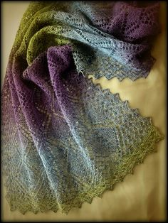 Gem Tree scarf by Po Lena; on Ravelry. Scarf changes design as it moves from one end to the other. $3.00 for pattern