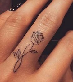 Flower Finger Tattoos, Flower Tattoo Hand, Finger Tattoo Designs, Rose Tattoo On Finger, Simple Finger Tattoo, Infinity Tattoo Designs, Finger Tats, Small Tattoo Designs, Sexy Tattoos For Women