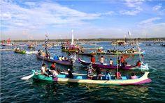 Nyalamaq di Lauq atau selamatan  laut khas Pulau Lombok, NTB.