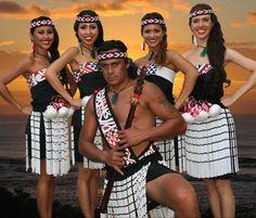 Maori traditional costumes, New Zealand Polynesian Dance, Polynesian Culture, Tonga, Tahiti, Geisha, Maori People, Long White Cloud, Maori Art, Folk Costume