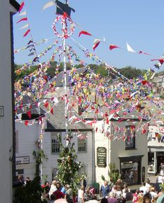 Padstow Obby Oss Maypole, 1 May 2002