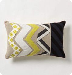 DIY pillow cover with zig zag tutorial. I just like the 2/3rds one color and 1/3rd the other color!
