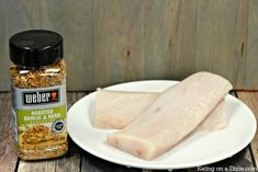 You will love this simple Mahi Mahi recipe! Dinner comes together quickly when you make Grilled Mahi Mahi recipe! In less time it takes to get take out, this fish will be ready! It's packed with garlic and herb seasoning! Avocado Recipes, Salmon Recipes, Fish Recipes, Seafood Recipes, Healthy Recipes, Grilled Mahi Mahi, Grilled Swordfish, Honey Glazed Salmon Recipe