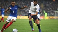 Video referees used for first time in international match between #France & #Italy.
