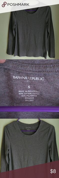 NWOT Banana Republic Long Sleeve Crewneck NWOT Banana Republic Long Sleeve Crewneck. Never been worn. Color is sort of brown & maroon mixed. Banana Republic Tops Tees - Long Sleeve