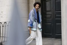 Street looks à la Fashion Week homme printemps-été 2016 de Londres, bleu
