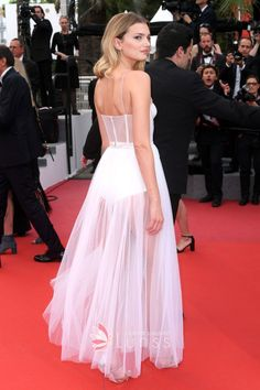 Lily Donaldson was in a lovely Spaghetti straps Ankle-length White Tulle Dress featuring corset design and dotted detailing at 2017 Cannes Film Festival. Special Dresses, Special Occasion Dresses, Formal Dresses, White Tulle Dress, Lily Donaldson, Cannes Film Festival, Celebrity Dresses, Dream Dress, Dress For You
