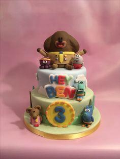 Hey Duggee Cake Toddler Birthday Cakes, 1st Birthday Cakes, 4th Birthday Parties, Party Themes, Party Ideas, Cake Kids, Character Cakes, Cake Tutorial, Cake Creations
