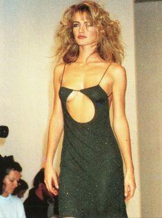 Couture Fashion, 90s Fashion, Runway Fashion, High Fashion, Fashion Show, Vintage Fashion, Fashion Outfits, Fashion Design, Vintage Dior