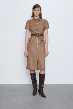 Collared midi dress with short sleeves. Featuring front patch pockets with flaps, a contrast belt detail and metal snap-button fastening at the front. HEIGHT OF MODEL: 177 cm. Faux Leather Dress, Faux Leather Belts, Vestidos Zara, Zara Home Stores, Foto Casual, Zara Dresses, Zara Women, Patch, Belted Dress