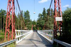 Penttilän silta, Isokyrö.   Suomen vanhin riippusilta #isokyro #finland   Finland's oldest suspension bridge. Finnish Words, Finland Travel, Best Cities, Golden Gate Bridge, Denmark, Norway, Sweden, Beautiful Places, Traveling