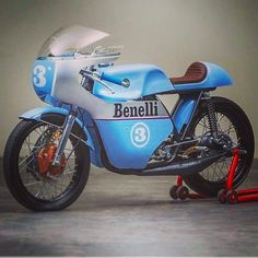 #benelli #cafe #racer #italian #classic #motorcycles #caferacer #bikes #race #riders #bikelife #blue #beauty #antique #machine #fresh #dope #ride #hot #luxury #moto #nice