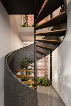 Design Stemmed from the Idea of Greenery, Light and Absolute Privacy for this Residence | MDA Architecture - The Architects Diary Architecture Site Plan, Victorian Architecture, Architecture Photo, Casa Park, Atrium Design, House Roof Design, Terrace Floor, Architect House, Staircase Design