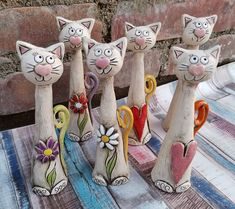 Diy Crafts For Adults, Diy Arts And Crafts, Ceramic Pottery, Ceramic Art, Chicken Wire Crafts, Clay Cats, Paper Mache Sculpture, Painted Gourds, Clay Animals