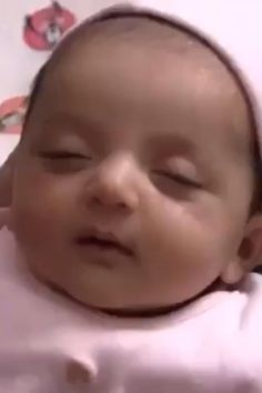 Cute Kids Pics, Cute Baby Girl Pictures, Cute Funny Baby Videos, Cute Funny Babies, Cute Babies Pics, Funny Baby Photos, Funny Baby Faces, Cute Babies Photography, Newborn Baby Photography