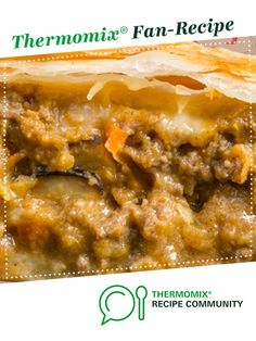 Recipe Beef curry pies (Pie-maker) by thermifyme, learn to make this recipe easily in your kitchen machine and discover other Thermomix recipes in Baking - savoury. Pie Recipes, Great Recipes, Chicken Recipes, Dinner Recipes, Beef Pot Pies, Savoury Pies, Frozen Puff Pastry, Beef Curry, Sausage Rolls