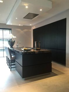 Discover recipes, home ideas, style inspiration and other ideas to try. Contemporary Kitchen Interior, Modern Kitchen Design, Interior Design Living Room, Home Decor Kitchen, Kitchen Living, New Kitchen, Open Plan Kitchen, Kitchen Layout, Black Kitchens