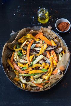 Almeno 1 ora in forno Honey Recipes, Raw Food Recipes, Meat Recipes, Healthy Recipes, Vegetable Side Dishes, Vegetable Recipes, Comfort Food, Food Humor, Vegan Dishes