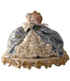 Porcellane Principe - Italian handcrafted porcelain figurines of 18thC society. http://www.porcellaneprincipe.it
