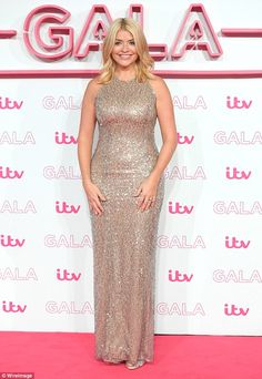 The buxom 35-year-old television star says she won't 'contribute' to people becoming fixat...