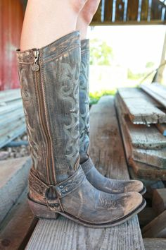 Attractive cowgirl boots for the modern women. The best cowgirl boots or cheap cowgirl boot. Go to the site above click the grey tab for extra info _ Cool cowboy girl boots Vintage Cowgirl, Cowgirl Style, Cowgirl Boots, Western Boots, Gypsy Boots, Cowboy Girl, Womens Tall Cowboy Boots, Dresses With Cowboy Boots, Vintage Boots