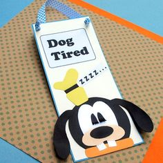 Create a Goofy Doorknob Sign, a craft inspired by Disney's Goofy, with step by step instructions provided by Disney Family. Walt Disney, Disney Diy, Disney Crafts, Disney Family, Disney Cruise, Goofy Disney, Disney Ideas, Easy Crafts For Kids, Crafts To Do