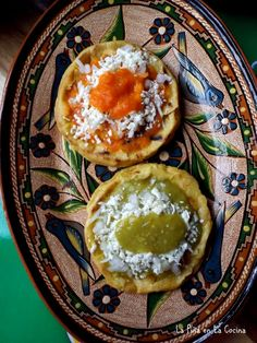 Picaditas (Corn Masa Cakes) - La Piña en la Cocina I Love Food, Good Food, Yummy Food, Mexican Dishes, Mexican Food Recipes, Starters For Dinner, Latin Food, International Recipes, Salsa Recipe