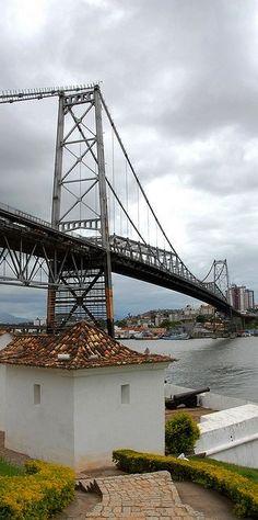 Hercílio Luz Bridge - Sta. Catarina, Brazil