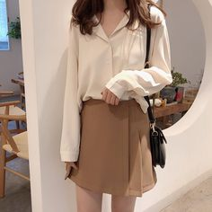 Coffee ulzzang beige Korean aesthetic all beige Korean fashion calming L e l i a L' a r t Korean Girl Fashion, Korean Fashion Trends, Ulzzang Fashion, Look Fashion, Ulzzang Style, 70s Fashion, Street Fashion, Crop Top Outfits, Casual Outfits